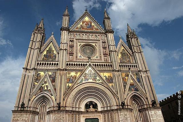 Facciata del Duomo di Orvieto, cattedrale di Santa Maria Assunta